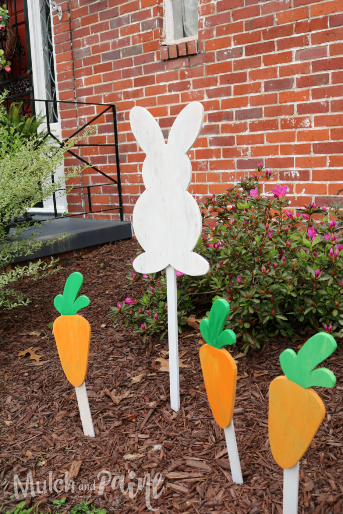 Wooden Easter bunny with carrots